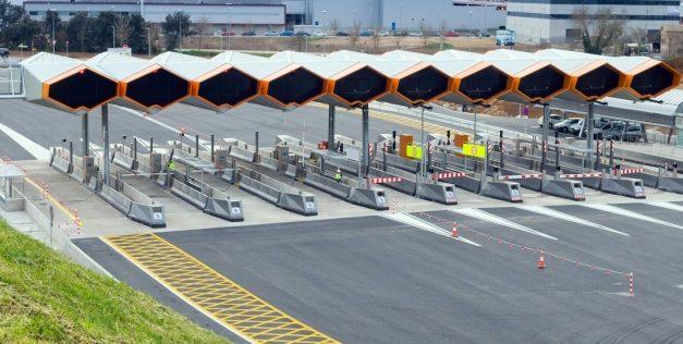 UGT registra ante la Dirección General de Empleo preaviso de huelga en las autopistas de Abertis para julio y agosto