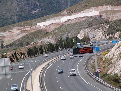 UGT se reúne con Fomento para abordar la situación del empleo en autopistas