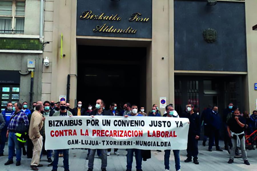 Los trabajadores del Bizkaibus Gam Txorierri Mungialdea inician movilizaciones que culminarán en huelga indefinida