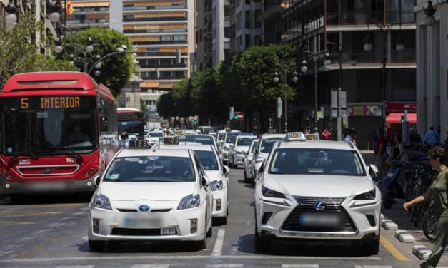UGT pide que transportistas, conductores de autobús, taxistas y VTC sean grupos prioritarios para vacunación en la Comunidad Valenciana