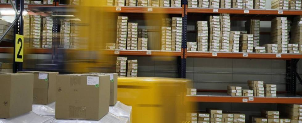 UGT denuncia irregularidades en las contrataciones por parte de multinacionales logísticas